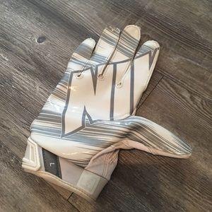Nike Accessories - Nike Vapor Jet Glove